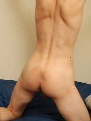 Cute twink Jesse Lugo busts a nut onto his stomach.